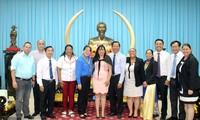 Đoàn đại biểu Trung ương Đoàn Thanh niên Cộng sản Cuba thăm Bến Tre
