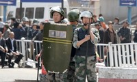 Security tightened after bomb attack at Urumqi train station