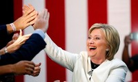 US election 2016: Hillary Clinton and Donald Trump rack up more wins