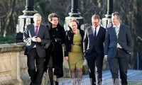 North Ireland parties discuss establishment of new government