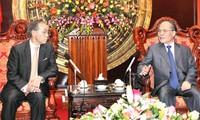 Chủ tịch Quốc hội Nguyễn Sinh Hùng tiếp Đại sứ Nhật Bản Tanizaki Yasuaki