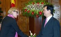 Thủ tướng Nguyễn Tấn Dũng tiếp Đại sứ Thụy Điển, Cộng hòa Séc