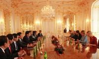 Đoàn đại biểu cấp cao Quốc hội Việt Nam thăm và làm việc tại Slovakia