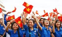 """Thanh niên Việt Nam tập hợp đội ngũ trong phong trào """"Tôi yêu Tổ quốc tôi"""""""
