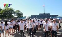 Trại hè Việt Nam 2016: Thanh niên, sinh viên kiều bào dâng hương tại Thành cổ Quảng Trị