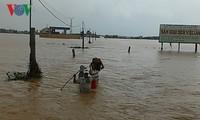 Thủ tướng Nguyễn Xuân Phúc yêu cầu khắc phục mưa lũ tại miền Trung và ứng phó khẩn cấp bão số 7