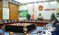 Thủ tướng Nguyễn Xuân Phúc: Phấn đấu tăng trưởng tháng 12 đạt 7,1 - 7,3%