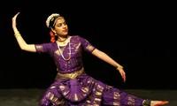 Khai trương lớp học múa truyền thống Ấn Độ