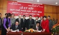 Ban Tổ chức Trung ương và Hội đồng Lý luận Trung ương ký kết quy chế phối hợp công tác