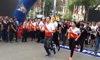 Việt Nam tổ chức Chương trình chạy tiếp sức hưởng ứng Sea Games 29 và Para Games 9