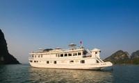 ล่องเรือเที่ยวชมฮาลองเบย์