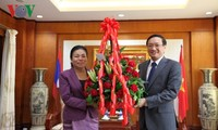 Lãnh đạo các Bộ, ngành của Lào chúc mừng 72 năm Ngày Quốc khánh Việt Nam