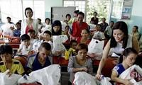 Phối hợp giúp đỡ, bảo vệ quyền lợi cho nạn nhân chất độc da cam/dioxin Việt Nam