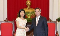 Trưởng ban Kinh tế Trung ương Nguyễn Văn Bình tiếp Đại sứ Canada và Đại sứ Pháp tại Việt Nam