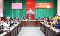 Hà Nội gặp mặt các đại biểu văn nghệ sỹ, trí thức, tôn giáo