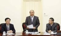 Thủ tướng Nguyễn Xuân Phúc làm việc với Tổ tư vấn kinh tế của Thủ tướng