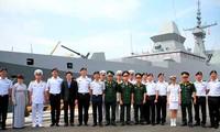 Tàu Hải quân Singapore thăm thành phố Đà Nẵng