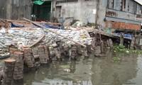 Thủ tướng Nguyễn Xuân Phúc chỉ đạo tập trung khắc phục sạt lở vùng Đồng bằng sông Cửu Long