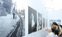 """Exhibition """"Hanoi-Dien Bien Phu in the air"""" debuts"""