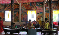 Five-tone musical ensemble in Doi (Bat) pagoda