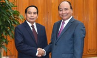 Vietnam ready to share its development experience with Laos