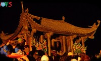 Visiting a pagoda embraces the beauty of Vietnamese tradition