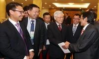 Генеральный секретарь ЦК КПВ принял делегацию вьетнамских эмигрантов