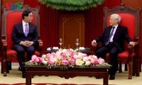Генсек ЦК КПВ Нгуен Фу Чонг принял спецпосланника президента Республики Корея