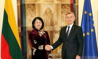 Вьетнам развивает отношения с Литвой