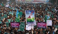 Anti-Charlie Hebdo protests erupt in Southern Asia