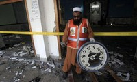 At least 19 killed in attack on Shi'ite mosque in Pakistan