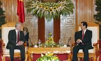 การเจรจารอบแรกเกี่ยวกับข้อตกลงการค้าเสรีระหว่างเวียดนามกับสหภาพศุลกากร