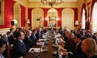 ประชาคมระหว่างประเทศเร่งรัดให้ฝ่ายต่อต้านในซีเรียเข้าร่วมการประชุมเจนีวา๒