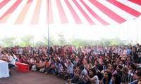 นักศึกษาลาวและกัมพูชาร่วมฉลองเทศกาลตรุษเต๊ตปีมะเมีย๒๐๑๔