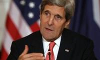 รัฐมนตรีว่าการกระทรวงการต่างประเทศสหรัฐเริ่มการเยือนอิหร่านเพื่อเจรจาเกี่ยวกับปัญหานิวเคลียร์