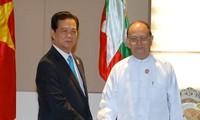 นายกรัฐมนตรีเหงวียนเติ๊นหยุงพบปะกับประธานาธิบดีพม่า