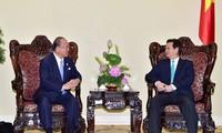 นายกรัฐมนตรีให้การต้อนรับที่ปรึกษาพิเศษของสหภาพส.ส.มิตรภาพญี่ปุ่น-เวียดนาม