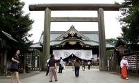 รัฐมนตรีกระทรวงยุติธรรมญี่ปุ่นเยือนศาลเจ้ายาสุคุนิ