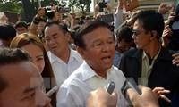 ประชาชนกัมพูชานับพันคนเรียกร้องให้ปลดตำแหน่งรองประธานรัฐสภาคนที่๑