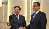 รองนายกรัฐมนตรีฝามบิ่งมิงพบปะกับนายกรัฐมนตรีจีนและรองนายกรัฐมนตรีรัสเซีย