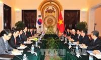 พัฒนาความสัมพันธ์หุ้นส่วนร่วมมือยุทธศาสตร์สาธารณรัฐเกาหลี-เวียดนามขึ้นสู่ขั้นสูงใหม่