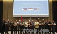 ฟิลิปปินส์ อินโดนีเซียและมาเลเซียให้คำมั่นที่จะร่วมมืออย่างใกล้ชิดเพื่อต่อต้านกลุ่มไอเอส