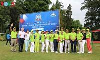 การแข่งขันกอล์ฟสาธารณรัฐเช็กเชื่อมโยงชาวเวียดนามในยุโรป