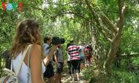 ชาวบ้านเกาะเท้ยเซินทำการท่องเที่ยวเชิงนิเวศ