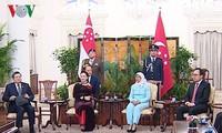 ประธานสภาแห่งชาติเวียดนามเข้าพบประธานาธิบดีและนายกรัฐมนตรีสิงคโปร์