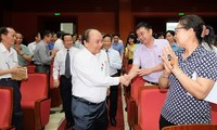 นายกรัฐมนตรีเวียดนามพบปะกับผู้มีสิทธิ์เลือกตั้งนครไฮฟอง