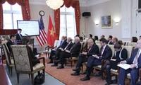 ผู้ประกอบการสหรัฐยืนยันลงทุนประกอบธุรกิจระยะยาวในเวียดนาม