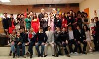 นักศึกษาเวียดนามในต่างประเทศร่วมฉลองปีใหม่ประเพณี