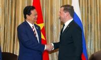 ผลักดันความสัมพันธ์หุ้นส่วนยุทธศาสตร์ในทุกด้านระหว่างเวียดนาม-รัสเซีย