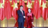 ประธานสภาแห่งชาติเวียดนามเหงียนถิกิมเงินพบปะกับเลขาธิการใหญ่พรรคและประธานประเทศจีน